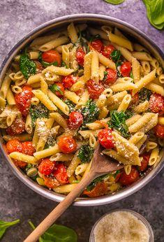 Spinach Pasta Recipes, Easy Pasta Recipes, Salad Recipes, Baked Penne Pasta, Feta Pasta, Vegetarian Recipes, Cooking Recipes, Healthy Recipes, Cherry Tomato Pasta