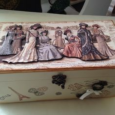 Meral Sanatevi - Handmade - painting -craft house Diy Altered Books, Altered Boxes, Decoupage Wood, Decoupage Vintage, Decor Crafts, Home Crafts, Arte Country, Craft House, Casket