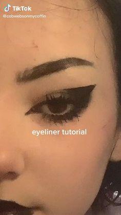 Punk Makeup, Gothic Makeup, Grunge Makeup, Eye Makeup Art, Makeup Inspo, Makeup Tutorial Eyeliner, No Eyeliner Makeup, Creative Eye Makeup, Makeup Makeover