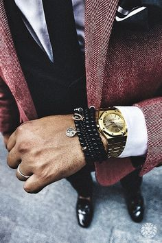 Essential Style Tips for Men to Up Their Game Bracelets + Watches + rings (OMG) Complete manBracelets + Watches + rings (OMG) Complete man Swagg Man, Men's Accessories, Moda Blog, Fashion Mode, Street Fashion, Funky Fashion, Paris Fashion, Fashion News, Girl Fashion