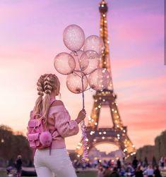 Top 10 Secrets of the Eiffel Tower in Paris Paris Pictures, Girly Pictures, Paris Photos, Paris Photography, Girl Photography Poses, Creative Photography, Eiffel Tower Photography, Photography Flyer, Travel Photography