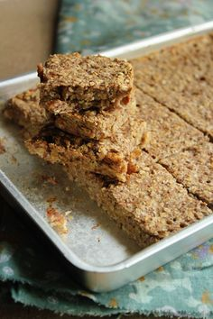 Banana Walnut Oat Bars (Vegan, Sugar-free & Oil-free) - I added cinnamon and a capful of vanilla. These are best warm from the oven or reheated for breakfast. Vegan Sweets, Healthy Sweets, Healthy Baking, Vegan Desserts, Vegan Recipes, Healthy Snacks, Dessert Recipes, Delicious Recipes, Diet Recipes