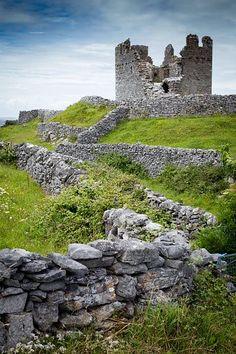 O'Brien's Castle, Aran Islands, Ireland.