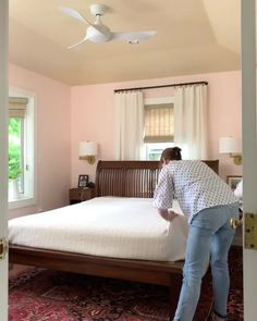 Trim Design Co. | Learn how to make your bed magazine ready with this video and our blog tutorial. Easy tips for styling, throw pillows, and blankets.   #trimdesignco #bedmaking #bedstyling
