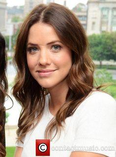 Julie Gonzalo