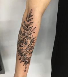 Blackwork flowers tattoo forarm tattoos, flower tattoos и forearm flowe Forarm Sleeve Tattoo, Forearm Flower Tattoo, Flower Tattoos, Forearm Tattoos, Body Art Tattoos, Forearm Sleeve, Tattoo Sleeves, Female Forearm Tattoo, Tattoo Drawings