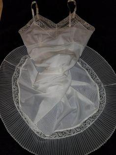 VTG 40s 50s White Lace Full Slip Dress Accordion Pleats Crystal Pleated Sz 36 #VanRaalte #Slip #false