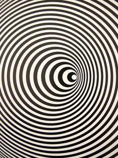 MONDOBLOGO: i think i hit an optic nerve....