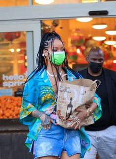 Basic Outfits, Urban Outfits, Races Fashion, Fashion Outfits, Rihanna Baby, Rihanna Street Style, Rihanna Photos, Rihanna Fenty, Black Girl Magic
