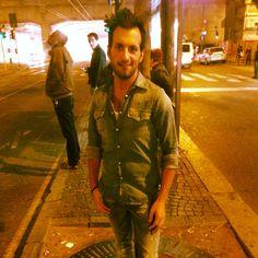 Aspettando la 91  #buona #serata #amici #friends #stasera #aperitivo #outfit #camicia #jeans #mi #milan #milano #città #city #it #italy #italia #igers #instacity #instaplace #instagram #kiss #kiss