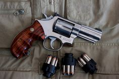 Smith and Wesson .357 Magnum model 66 I have one of these :)