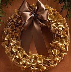 26 Ideas para hacer tu propia corona de Navidad   Aprender manualidades es facilisimo.com