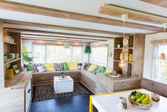 Things To Keep In Mind Before Considering Home Renovation Contract – Home Dcorz Mobile Home Renovations, Mobile Home Makeovers, Home Remodeling Diy, Remodeling Mobile Homes, Caravan Renovation Diy, Caravan Interior Makeover, Terrasse Mobil Home, Caravan Home, Mobile Home Decorating