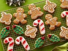 Gingerbread Cookies with Royal Icing : Sandra's secret for making shortcut gingerbread cookies: Use store-bought sugar cookie mix and flavor it with pumpkin pie spice, ground ginger and molasses.