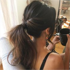 Flirty Ponytail from Behind the Scenes With the E! Style Collective On our must-try list this fall? Riawna Capri's perfect topsy pony creation.