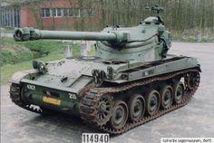 De AMX 13 is als verkenningstank de opvolger van de M24 Chaffee (cat. nr. 4). Het is de enige tank die in Nederland zowel bij de cavalerie (verkenningstank), bij de artillerie (antitankgeschut) als bij de infanterie (antitankgeschut) is gebruikt. De Nederlandse versie van de AMX was uitgerust met een verhoudingsgewijs groot kanon (105 mm), in tegenstelling tot de Franse variant (90 mm).