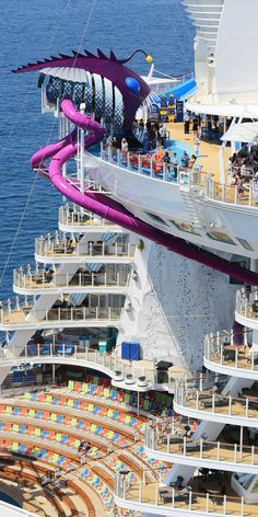 Royal Caribbean has released some stunning aerial photos of the world's biggest cruise ship recently Royal Caribbean International, Croisière Royal Caribbean, Caribbean Cruise Line, Symphony Of The Seas, Harmony Of The Seas, Cruise Travel, Cruise Vacation, Solo Travel, Biggest Cruise Ship