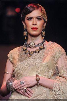 Sucheta Sharma walks the ramp for Golecha Jewels during the India International Jewellery Week (IIJW), held at Grand Hyatt, Mumbai, on August 06, 2013.