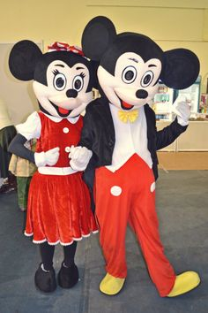 We were at a fair for kids, this past weekend and our friends from Golden Party came by with Mickey&Minnie Mouse costumes to make children (and not only) smile.