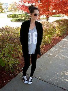 Fall Outfit-Chunky sweater, leggings and chucks
