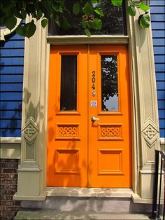 ORANGE! I want to do it, but I think my neighborhood is too traditional :(