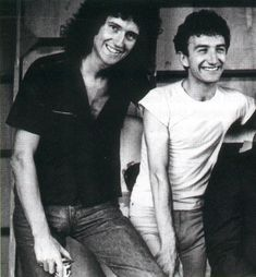 Brian May and John Deacon. Lead and Bass for Queen Brian May, Queen Mercury, Queen Freddie Mercury, Queen Pictures, Queen Photos, Queen Images, John Deacon, I Am A Queen, Save The Queen
