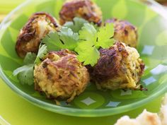 Zwiebelbällchen aus Indien ist ein Rezept mit frischen Zutaten aus der Kategorie Küchlein. Probieren Sie dieses und weitere Rezepte von EAT SMARTER!