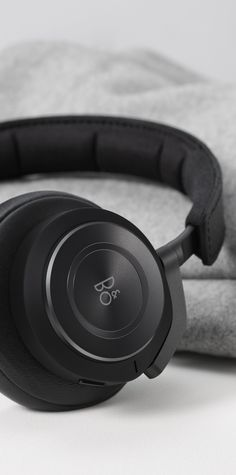 Over-ear Headphones. Active Noise Cancelling and Bang & Olufsen Signature Sound. Silence your surroundings to immerse yourself in pure musical bliss. Bluetooth, Beats Headphones, Over Ear Headphones, Memory Foam, Cable Audio, Bang And Olufsen, Noise Cancelling, Scandinavian Design, Leather