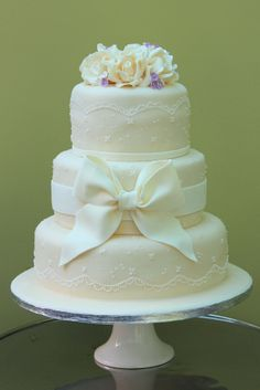 Lace & Bows Cake