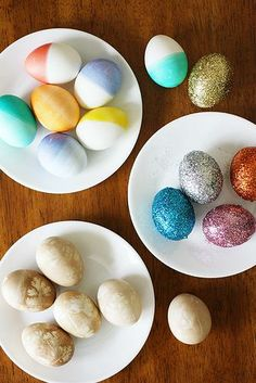 Gorgeous Easter eggs (one is made with cheesecloth and parsley!)