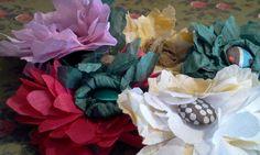 Broches de flores realizadas artesanalmente