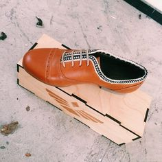 Don't miss out on our Cameron Oxford Los. Available online at www.fortressofinca.com