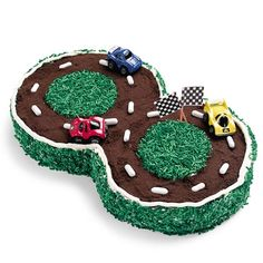 Easy and fun birthday cake for your car or racing fan.