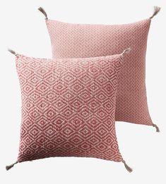 Throw Pillows, Bed, Home, Cushions, House, Decorative Pillows, Decor Pillows, Homes, Beds