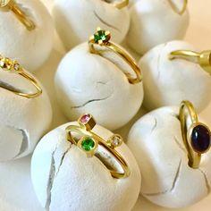 Det'nlarsens billede. Fine Jewelry, Jewellery, Minimalist Jewelry, Charlotte, Pearl Earrings, Pearls, Jewelery, Pearl Studs, Jewelry Shop