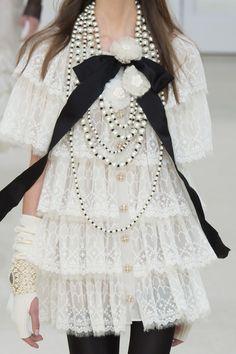forlikeminded:    Chanel | Paris Fashion Week | Fall 2016