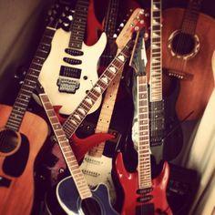 Guitar fanatic!!!!
