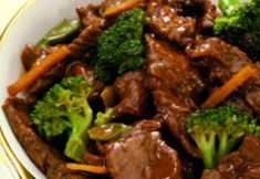 Carne con broncoli y zanahoria