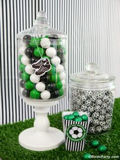 Party Printables | Party Ideas | Party Planning | Party Crafts | Party Recipes | BLOG Bird's Party: Brazil World Cup: DIY Funky Football Can...