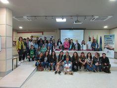 https://flic.kr/s/aHskYvsjpb | Visita IES Alhambra de Granada | Visita realizada al Centro por un grupo de estudiantes del CFGS de Mediación Comunicativa, del IES Alhambra. Granada, el 25 de abril de 2017.