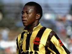 """Tributes have been pouring in for one of South African football's most adored sons, former Kaizer Chiefs midfielder Isaac """"Shakes"""" Kungwane,. Kaizer Chiefs, Soccer Teams, Football S, 4 Life, Sons, African, T Shirts, Football Soccer, My Son"""