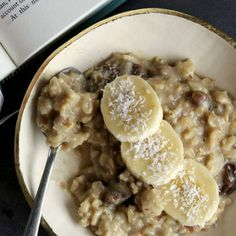 A sumptuous Creamy coconut, chia & date porridge recipe by Bonnie Delicious writer Kelly Gibney. Yum!