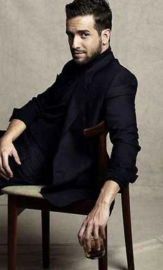 Keep calm and love Pablo Alboran. Solamente tu is my jam. Moustaches, Latina, Carlo Rivera, Sexy Beard, Most Beautiful People, Well Dressed Men, Male Beauty, Bearded Men, Music Is Life