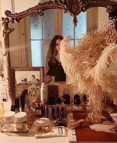 Vanity Makeup Rooms, Vanity Decor, Vintage Dressing Rooms, Home Decor Bedroom, Parisian Bedroom Decor, Parisian Apartment, Dream Apartment, Glam Room, Room Goals