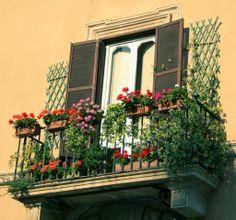 spanish balcony | photo via photo via
