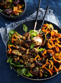 A composed salad looks impressive but is simply a salad where all the ingredients are arranged on a platter rather than tossed together. This one is packed with roasted veges and lightly spiced chicken then topped with a fresh mint dressing.