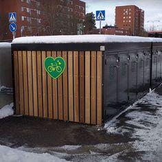 In de Zweedse gemeente Järfälla zijn 20 FalcoQ fietskluizen geplaatst in de nabijheid van een station. Forenzen parkeren hun fietsen veilig en vervolgen hun reis. De kluizen kunnen digitaal gereserveerd worden. In de toekomst zullen er nog meer fietsbergingen worden geplaatst op diverse locaties in Järfälla. Canning, Rice, Home Canning, Conservation