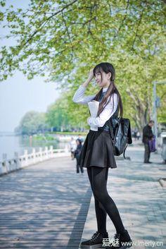 School Girl Japan, Japan Girl, Cute School Uniforms, School Uniform Girls, Japanese School Uniform, Beautiful Japanese Girl, Beautiful Asian Girls, Fashion Models, Girl Fashion