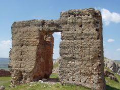 Os invitamos a pasear por el  Castillo de Alcaraz.  #historia #turismo  http://www.rutasconhistoria.es/loc/castillo-de-alcaraz
