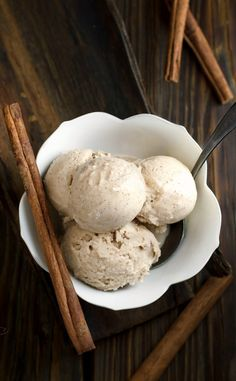 This cinnamon ice cream is the taste of the holidays in a rich, creamy, coconut milk ice cream. Dreamy! Vegan, clean eating, gluten free and made without refined sugar.